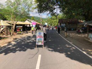 Tumbuhkan Kesadaran Disiplin Prokes Masyarakat, Polsek Sekotong Edukasi PPKM Mikro dan Kampung Sehat