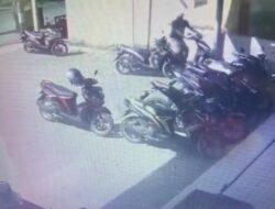 Bawa Kabur Sepeda Motor, Pelaku Tidak Menyadari Aksinya Terekam CCTV