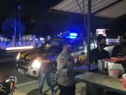Polsek Sekotong Gencar Lakukan Himbauan Pembatasan jam Operasional Malam