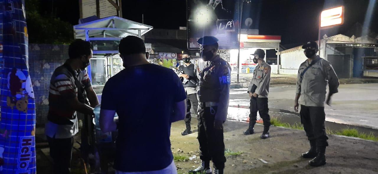 Patroli malam Polsek Sekotong