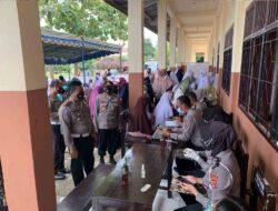 Sejumlah Pelajar Kediri Mengikuti Vaksinasi di Lombok Barat, Kali Ini di Ponpes Nurul Hakim Kediri